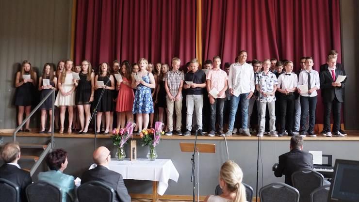 Diese 46 Schülerinnen und Schüler sind der 4. Jahrgang, der die Sek P Niederamt abschliesst.