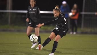 Den FC Aarau Frauen gelingt heute kein Sieg, Lara Zürcher verschiesst in der ersten Halbzeit gar einen Penalty.
