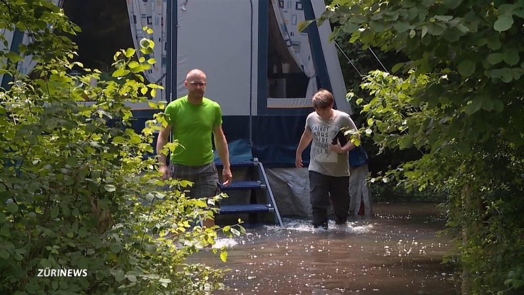Camping-Sommer 2021 fällt ins Wasser: Campingplatz Weesen im Kampf gegen die Wassermassen