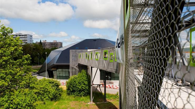 Die Passerelle heisst nun «Arena Steg», das Restaurant in der Umwelt Arena Restaurant KLIMA.