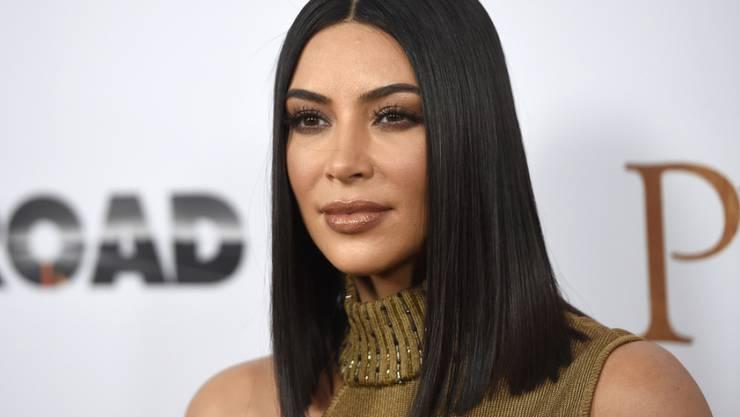 Kim Kardashian bringt einen neuen Duft auf den Markt - in einem Flakon, so wohlgeformt wie ihr Körper. (Archivbild)