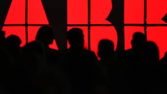 Die Fokussierung bei ABB geht weiter: Der Industriekonzern verkauft das Geschäft mit Solarwechselrichtern. Der Bereich mit rund 800 Mitarbeitern geht an den italienischen Konzern Fimer.