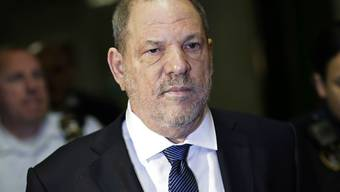 Der frühere Film-Produzent Harvey Weinstein soll mit seinen Opfern einen Vergleich in der Höhe von 44 Millionen Dollar abgeschlossen haben. (Archivbild)