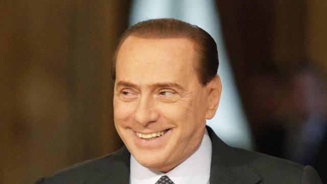 Wie lange kann Berlusconi noch lachen? (Archiv)