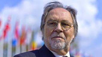 Dick Marty erhält Preis für Menschenwürde der Tertianum-Stiftung. (Archiv)