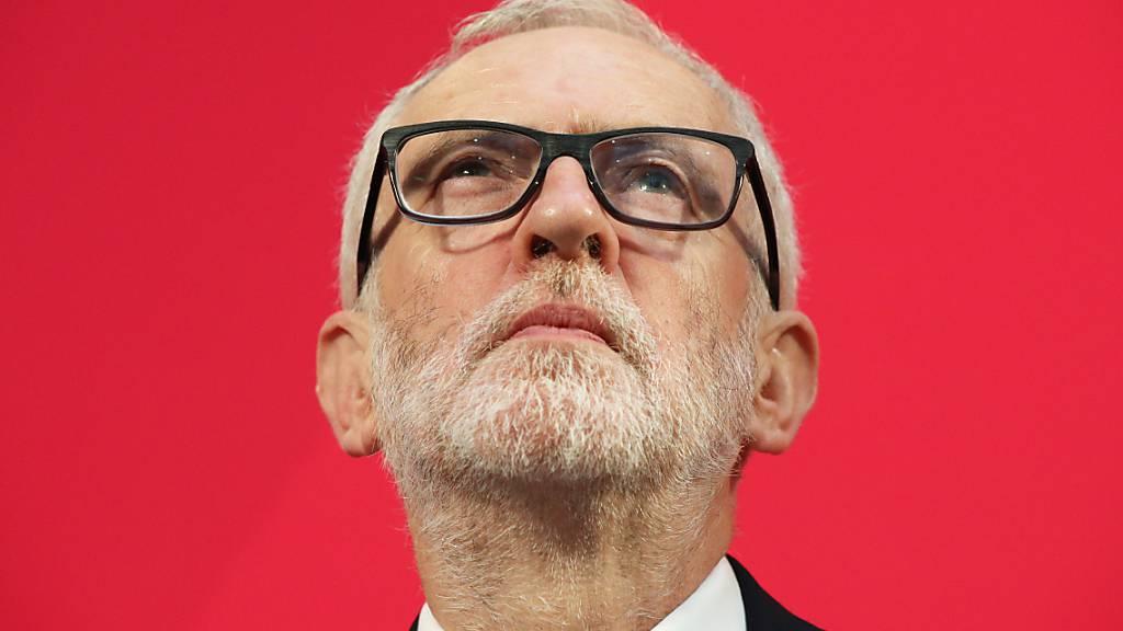 ARCHIV - Jeremy Corbyn, damaliger Vorsitzender der Labour Partei in Großbritannien, während einer Pressekonferenz. Foto: Jonathan Brady/PA Wire/dpa