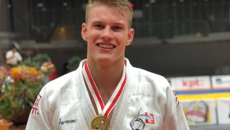 Otto Imala (Elite) gewinnt an der SEM in St. Gallen im Gewicht +90 Kg die Goldmedaille.