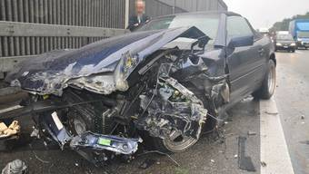 Unfall auf A1 bei Boningen: Autolenker verliert Kontrolle und prallt in Mittelleitplanke