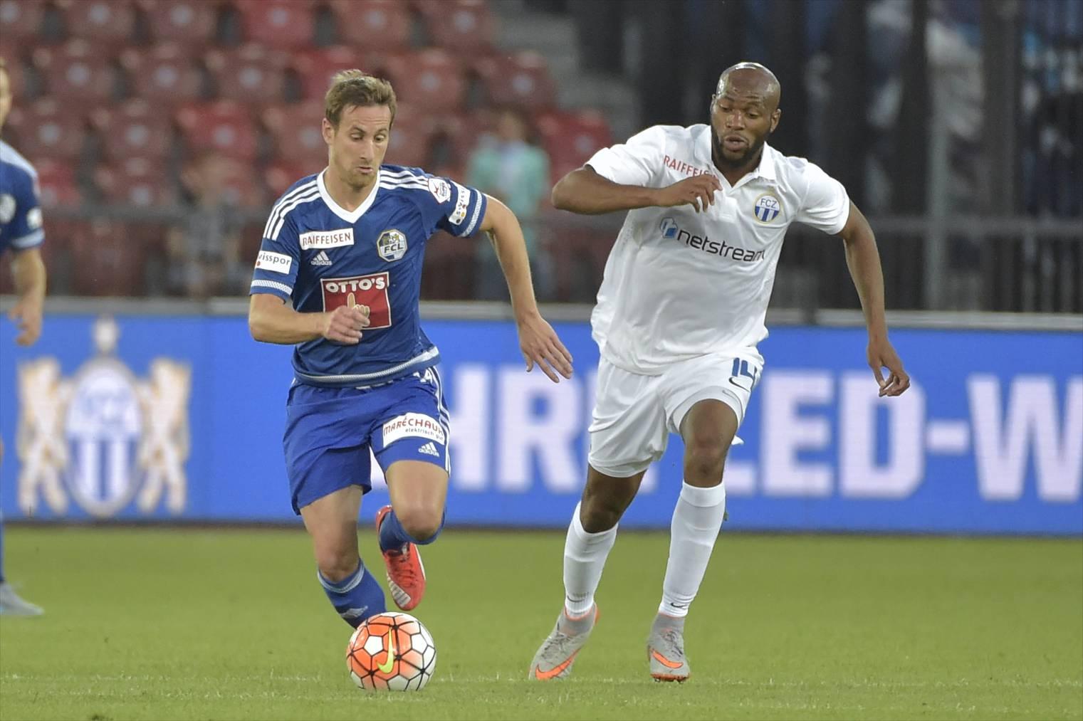 Jerome Thiesson (FC Luzern, links) gegen Franck Etoundi (FCZ).