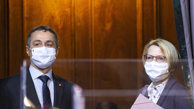 Das Aussendepartement von Ignazio Cassis und seiner Nummer zwei, Staatssekretärin Livia Leu, ist auch in den sozialen Medien aktiv.