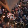 In Jerusalem kamen nach Polizeiangaben vom Sonntag 10'000 Menschen in die Grabeskirche.