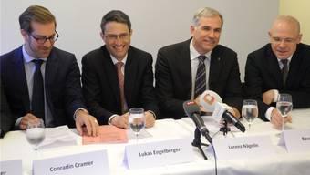 Das bürgerliche Viererticket mit Conradin Cramer (LDP), Lukas Engelberger (CVP), Lorenz Nägelin (SVP) und Baschi Dürr (FDP).