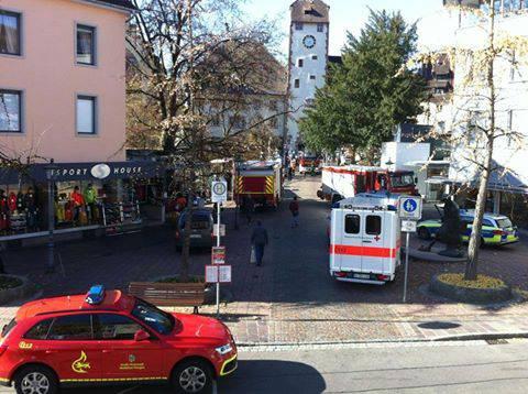 Rettungskräfte brachten den schwer verletzten Mann zwar in eine Klinik, dort verstarb er aber wenige Stunden später.
