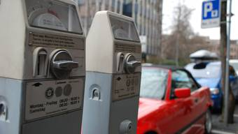 Die Initiative «für erschwingliche Parkgebühren» wird von der Basler Regierung nicht unterstützt. (Symbolbild)