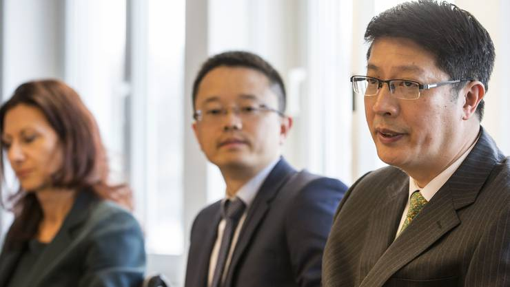 Yunchuan Yu und Weiyun Gong von der China Construction Bank an der gestrigen Medienkonferenz der Greater Zurich Area.