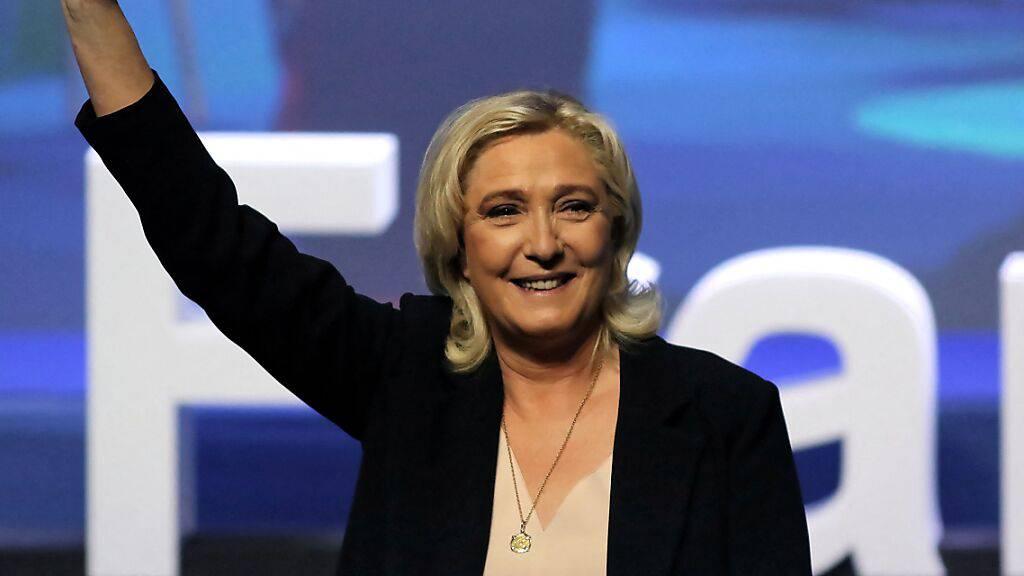 Le Pen ruft Anhänger zum Kampf gegen Macron auf