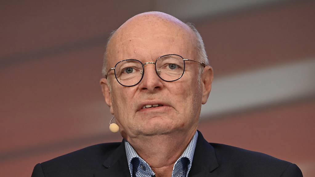 Der Konzernchef von den SBB, Vincent Ducrot, will trotz hoher Verluste bei den Staatsbahnen keine Entlassungen beim Personal vornehmen und auch nicht die Ticketpreise erhöhen. (Archivbild)