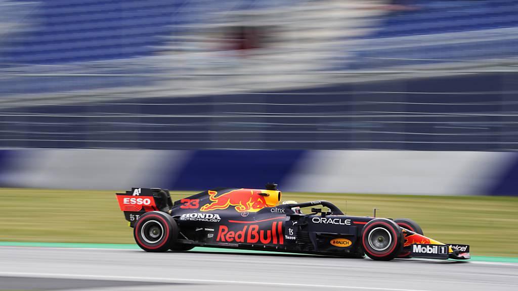 Mercedes heizt Verstappen ein