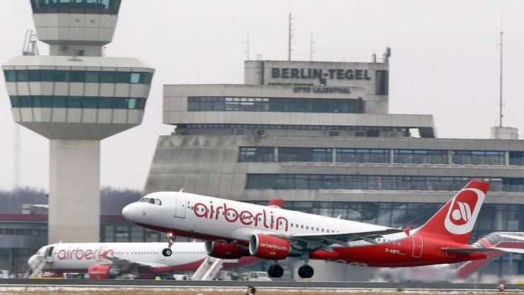 Flugzeuge von Air Berlin heben in Tegel längst keine mehr ab: Die Airline ist insolvent. Mitte Juni ist dann für den gesamten Flughafen mit dem markanten Tower Schluss.
