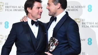 Zwei Hollywood-Schwergewichte im Partnerlook: Preisträger Leonadro DiCaprio (rechts) mit Tom Cruise bei der Bafta-Verleihung.