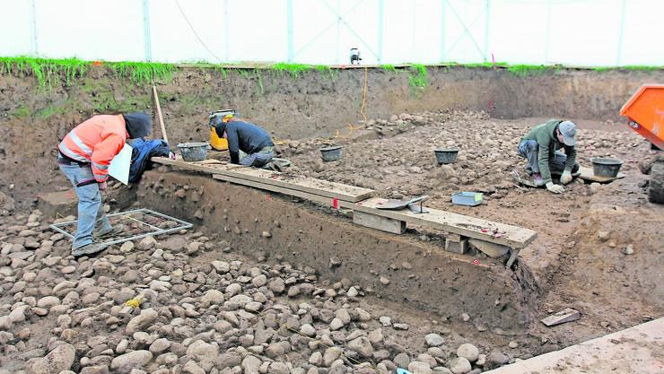 Im Sommer 2009 begannen die Archäologen mit Grabungen auf dem Areal des Installationsplatzes für den Bau der dritten Gubriströhre.