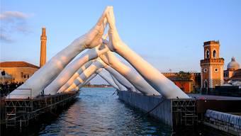 Die Biennale in Venedig steht Besuchern noch bis am 24. November offen. (Archivbild)