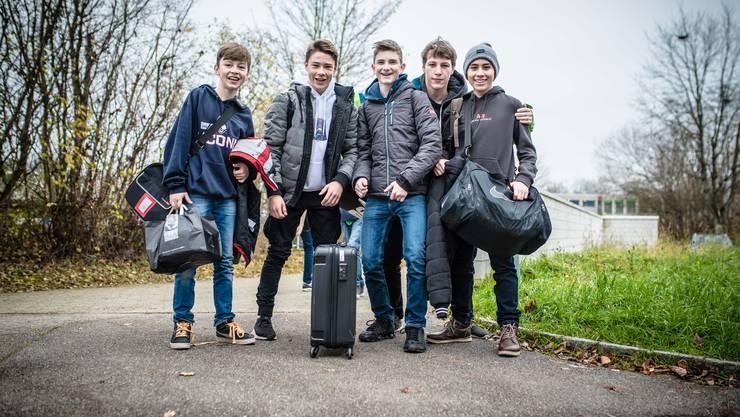 Schülerinnen und Schüler aus Solothurn und Aubonne reisen gemeinsam am Mittwoch für den Sprachaustausch in die Westschweiz. Ihre Freunde, die die erste Woche in Aubonne verbracht haben, kommen am Nachmittag zurück nach Solothurn.