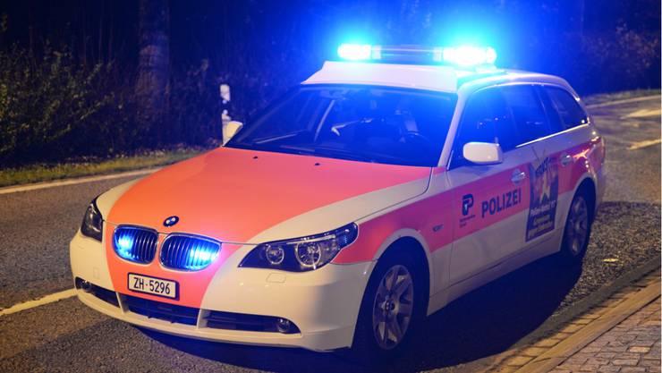 Die Kantonspolizei verhaftete die fünf illegal beschäftigten Frauen sowie den Clubbesitzer. (Symbolbild)