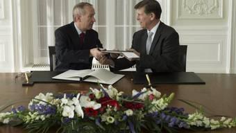 FATCA-Abkommen: Staatssekretär Ambühl und US-Botschafter Beyer
