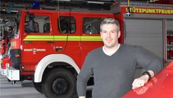 Kommandant Florian Isenring im Magazin der Feuerwehr Brugg am Stahlrain. jam