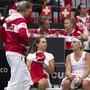 Für das Schweizer Fed-Cup-Team mit Captain Heinz Günthardt (links) kann die Zielsetzung nur Budapest heissen