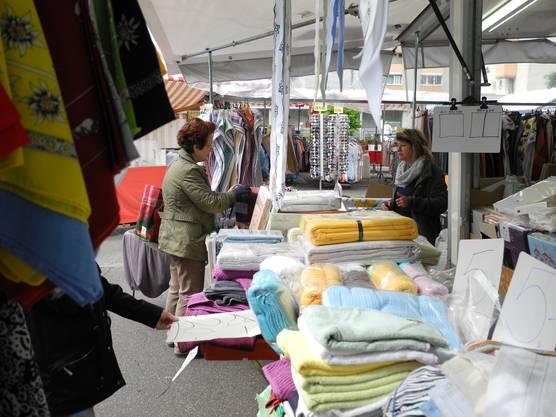Beim freundlichen Markthändler gibt es immer auch eine Möglichkeit, einen Rabatt oder ein Schnäppchen zu ergattern. Fragen Sie am Jubiläumsmarkt am 3. September nach den Jubel-Aktionen.