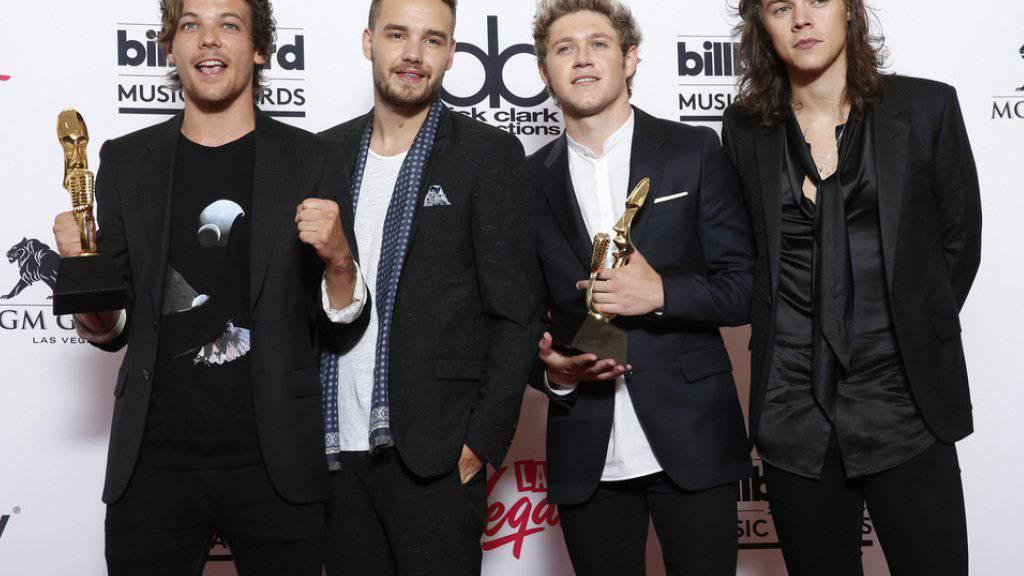 One Direction schauen nicht nach rechts und nicht nach links: So kümmert es Louis Tomlinson, Liam Payne, Niall Horan und Harry Styles (v.l.n.r.) auch nicht, dass Justin Bieber am gleichen Tag wie sie sein neues Album veröffentlicht (Archiv).