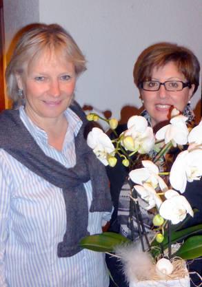 Das verdiente Ehrenmitglied links mit der Präsidentin Pasqualina Weiss