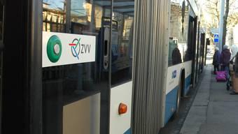 Der neue Fahrplan steht wegen seiner schlechten Anschlussverbindung von Unterengstringen Sennenbüel nach Zürich Frackental in der Kritik. (Symbolbild)