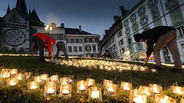 Auch in Lausanne nahmen viele Menschen an der Caritas-Aktion teil