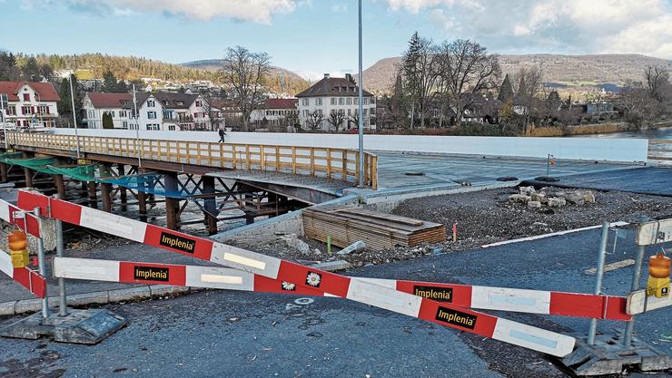 Im Bereich des Spickels muss eine Betonplatte erstellt werden, damit darunter das Widerlager Süd des «Pont Neuf» gebaut werden kann.