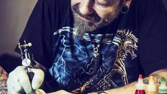 Andreas Humm tätowiert bereits seit 15 Jahren.