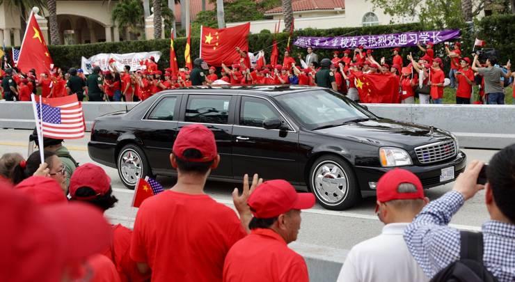 Der chinesische Präsident fährt ein.