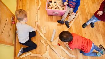 Kitas sollen meist offen bleiben: Denn für Kinder, die nicht privat betreut werden können, müssen die Kantone für die notwendigen Betreuungsangebote zu sorgen, beschloss der Bundesrat gestern.