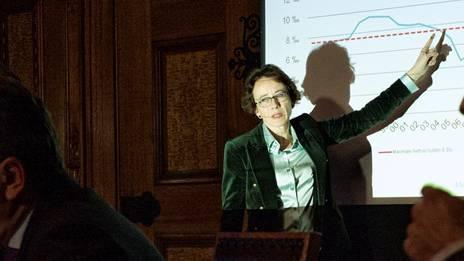 Zusätzliche Entlastungen seien nicht nötig, findet Finanzdirektorin Eva Herzog. (Archivbild)