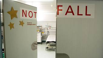 Statt zum Hausarzt direkt ins Spital: Tendenz nimmt zu, doch die Fricktaler Spitäler weisen im Notfall niemanden ab,und dennoch ist nicht in jedem Fall ein «Notfall» ein echter Notfall. (Archiv)