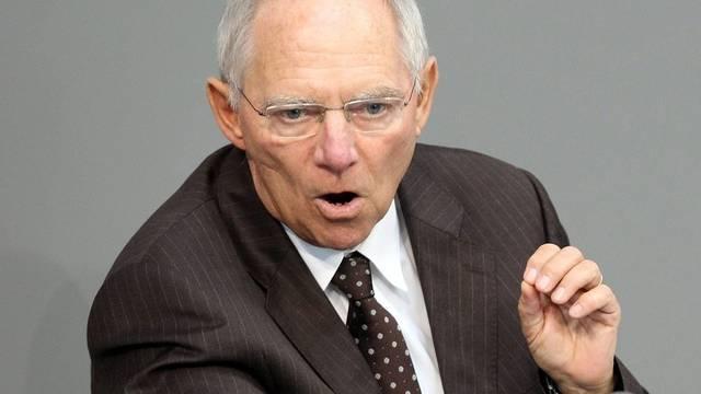 Finanzminister Wolfgang Schäuble wettert im Bundestag gegen die SPD