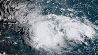 """Der Tropensturm """"Humberto"""" hat bereits die Stärke eines Hurrikans erreicht und stürmt über den Bahamas. (Archivbild)"""