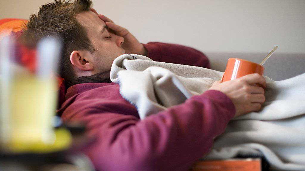 Derzeit müssen viele wegen der Grippe das Bett hüten. (Symbolbild)