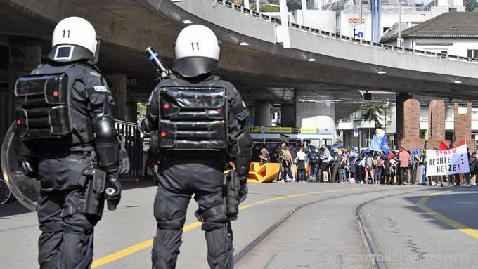 Polizeieinsatz bei der Gegendemonstration.