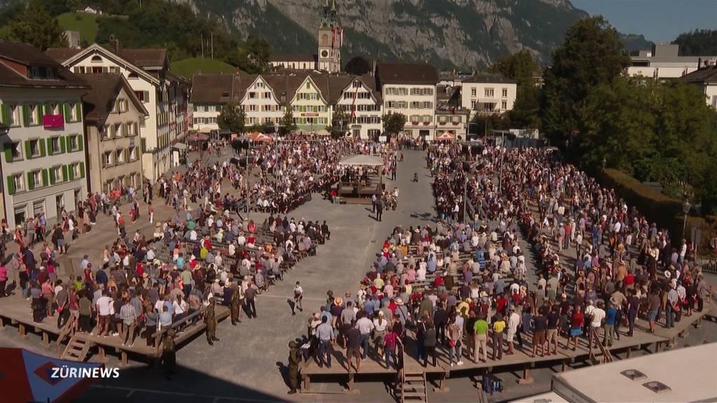 Nach fast zweieinhalb Jahren gibt es in Glarus wieder eine Landesgemeinde