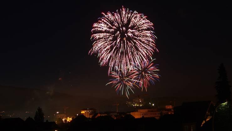Dieses Jahr muss wegen zu grosser Brandgefahr auf das Oltner Feuerwerk verzichtet werden. (Archiv)