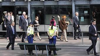 Königin Beatrix unter Polizeischutz in Apeldoorn