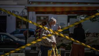 Die Ausgangsbeschränkungen in Tschechien werden ab Freitag aufgehoben - ein Gericht hatte die Massnahmen aufgrund von Formfehlern gekippt und die Regierung lockerte daraufhin die Restriktionen. (Archivbild)
